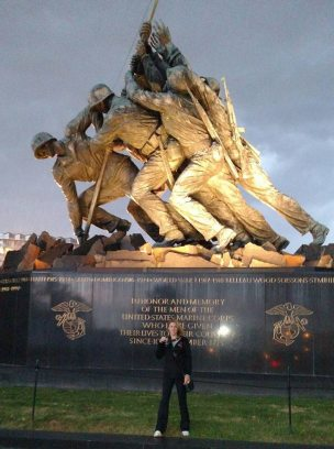 marine-corps-finishers-medal-at-iwo-jima-memorial